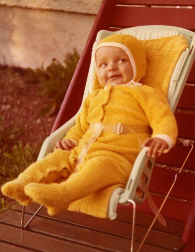 Keltainen vauvatyyli