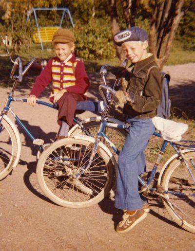 Pojat ja pyörät